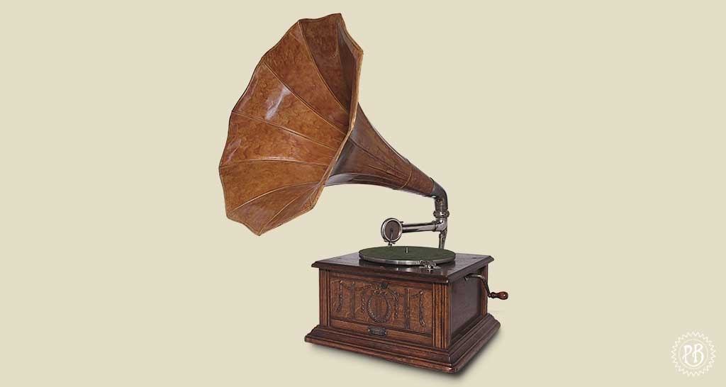 Phonographe a pavillon